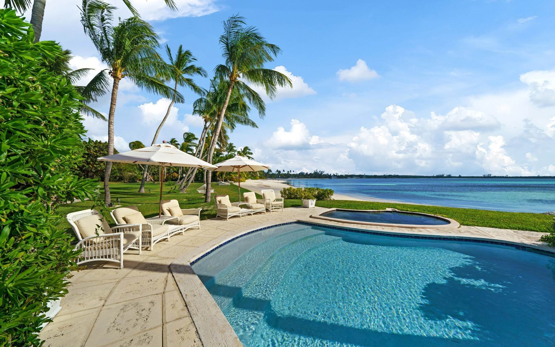 2. Single Family Homes for Rent at Magnificent Lyford Cay Beachfront Estate Lyford Cay, Nassau And Paradise Island, Bahamas