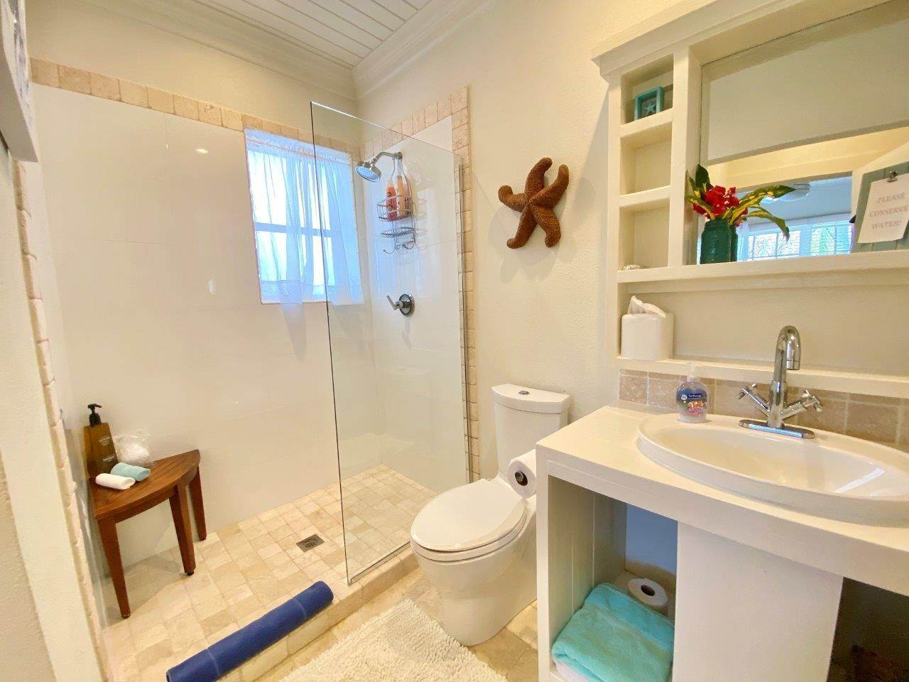 9. Single Family Homes for Sale at Fabulous Coastal Living Home in Governor's Harbour - MLS 44509 Governors Harbour, Eleuthera, Bahamas