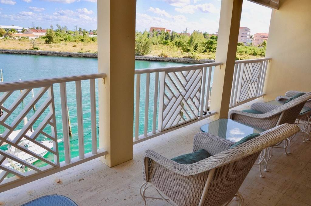 37. Co-op / Condominio por un Alquiler en Spectacular Townhouse at Grand Bahama Yacht Club for sale or rent! Bell Channel, Lucaya, Gran Bahama Freeport Bahamas