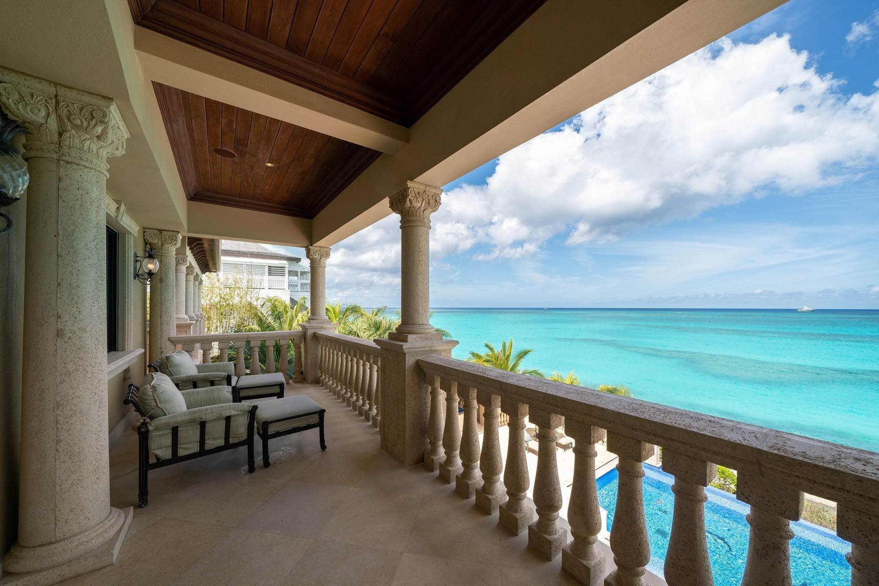 38. Single Family Homes for Sale at The Impeccable Krystal House at Old Fort Bay - MLS 40681 Old Fort Bay, Nassau And Paradise Island, Bahamas
