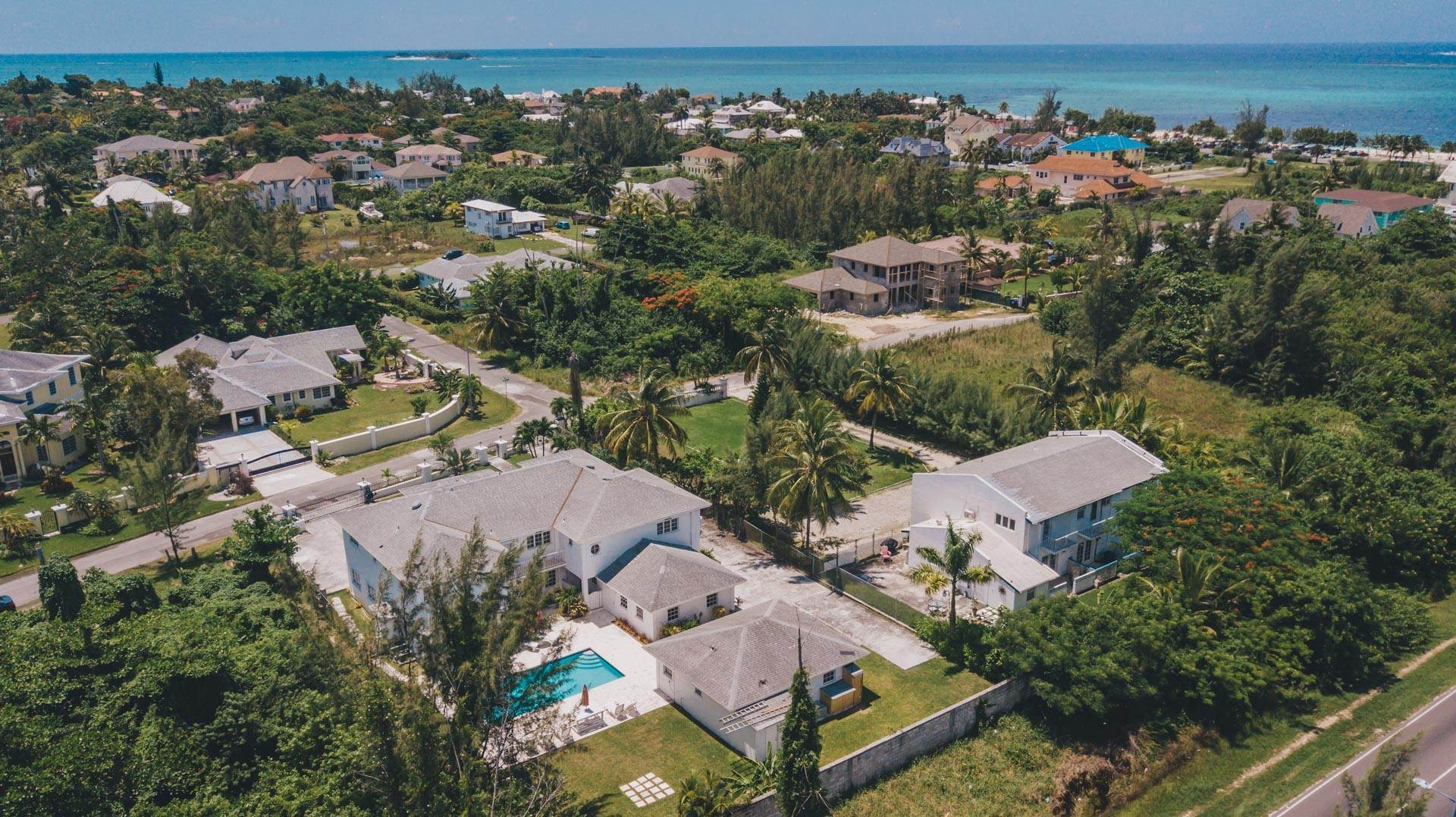 35. Single Family Homes for Rent at Excellent Family Home in Vista Marina - MLS 41677 Nassau And Paradise Island, Bahamas