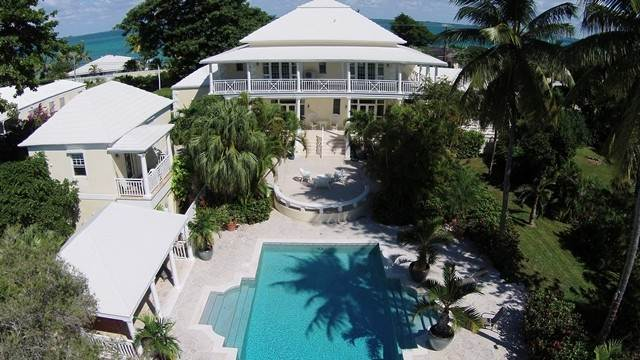 40. Single Family Homes for Sale at The Columns Eastern Road Eastern Road, Nassau And Paradise Island, Bahamas