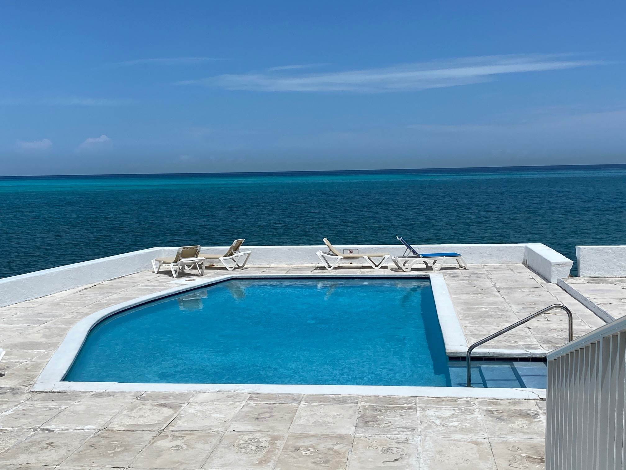 4. Co-op / Condo for Rent at Excellent views from this 2nd floor condo Delaporte Point, Nassau And Paradise Island, Bahamas