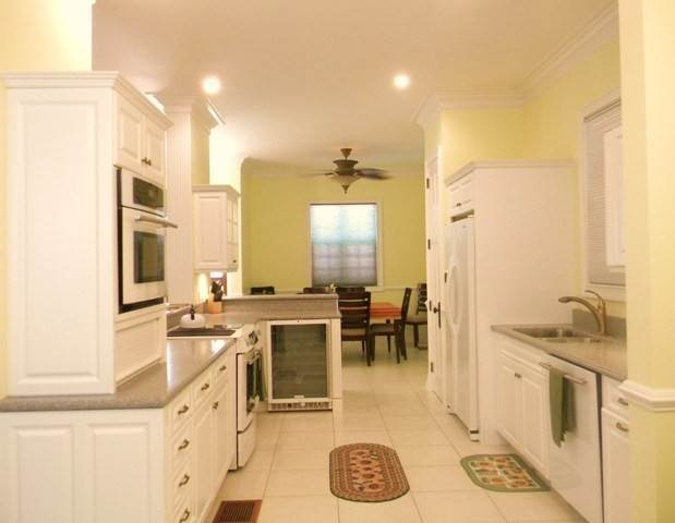 4. Single Family Homes for Rent at Yellow Fin Green Turtle Cay, Abaco, Bahamas