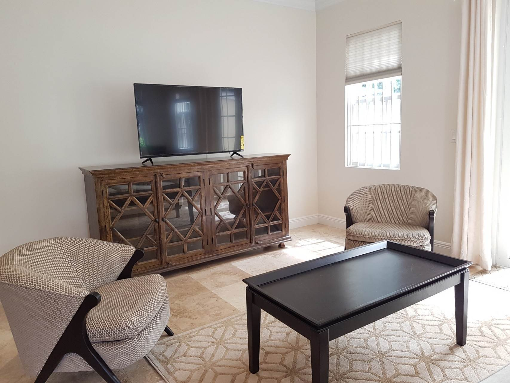 4. Co-op / Condo for Rent at Beautiful Balmoral Townhome Nassau And Paradise Island, Bahamas