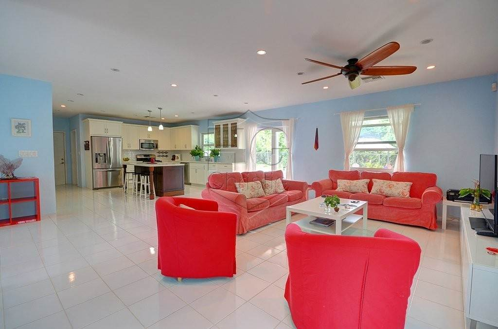 4. Single Family Homes for Rent at Modern family home in the East - MLS 40048 Camperdown, Nassau And Paradise Island, Bahamas