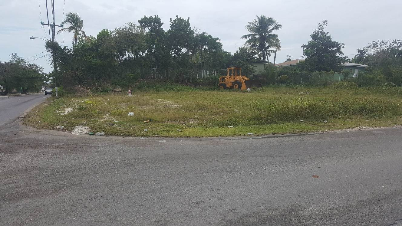 4. Sólo la tierra por un Alquiler en Vacant Corner Lot on East Street South for Lease East Street South, Nueva Providencia / Nassau, Bahamas