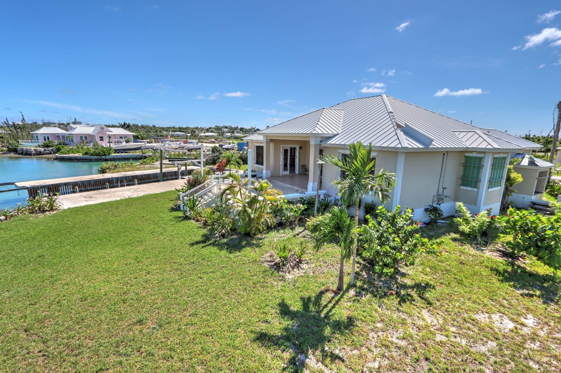 8. Single Family Homes por un Venta en #2 Royal Harbour, Marsh Harbour View Stately Home - MLS 41825 Marsh Harbour, Abaco, Bahamas