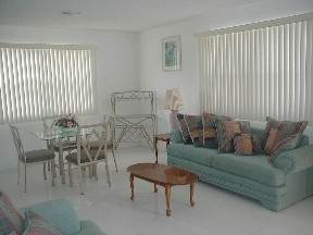 8. Multifamiliar por un Alquiler en Brand New Apartment for Rent Lucauan Waterway, Gran Bahama Freeport, Bahamas