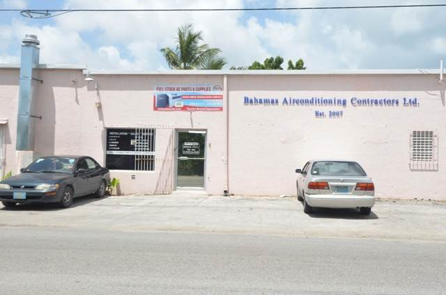 4. Commercial for Sale at Centrally located commercial property Chesapeake, Freeport And Grand Bahama, Bahamas