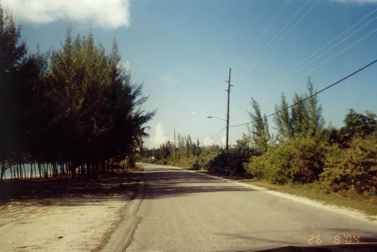 3. Terreno por un Venta en Open Zoned Lot at Deals, Long Island Long Island, Bahamas