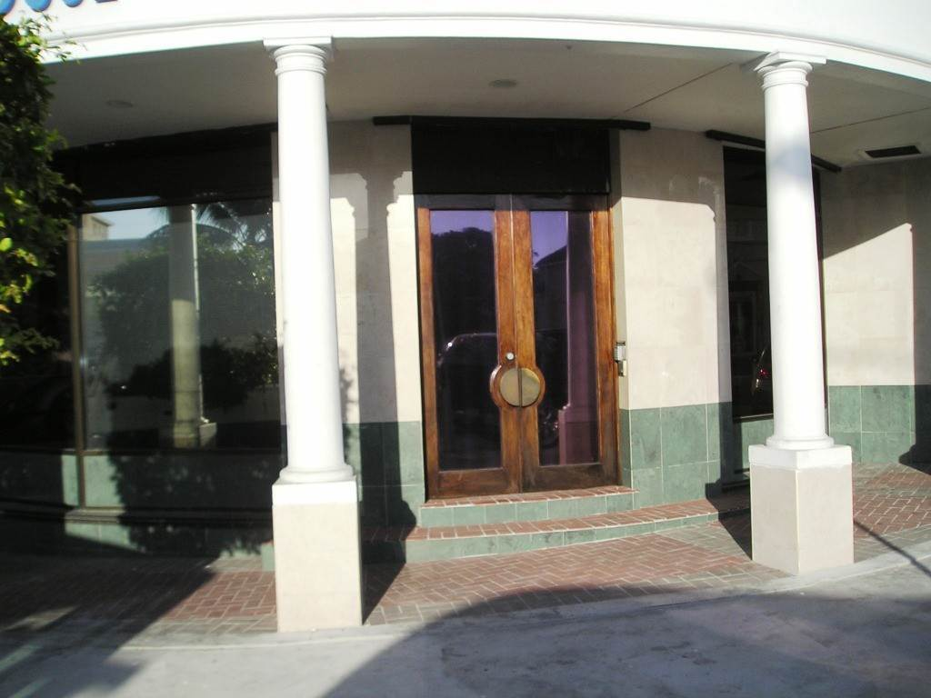 2. Commercial for Rent at Prime Office Space Nassau And Paradise Island, Bahamas