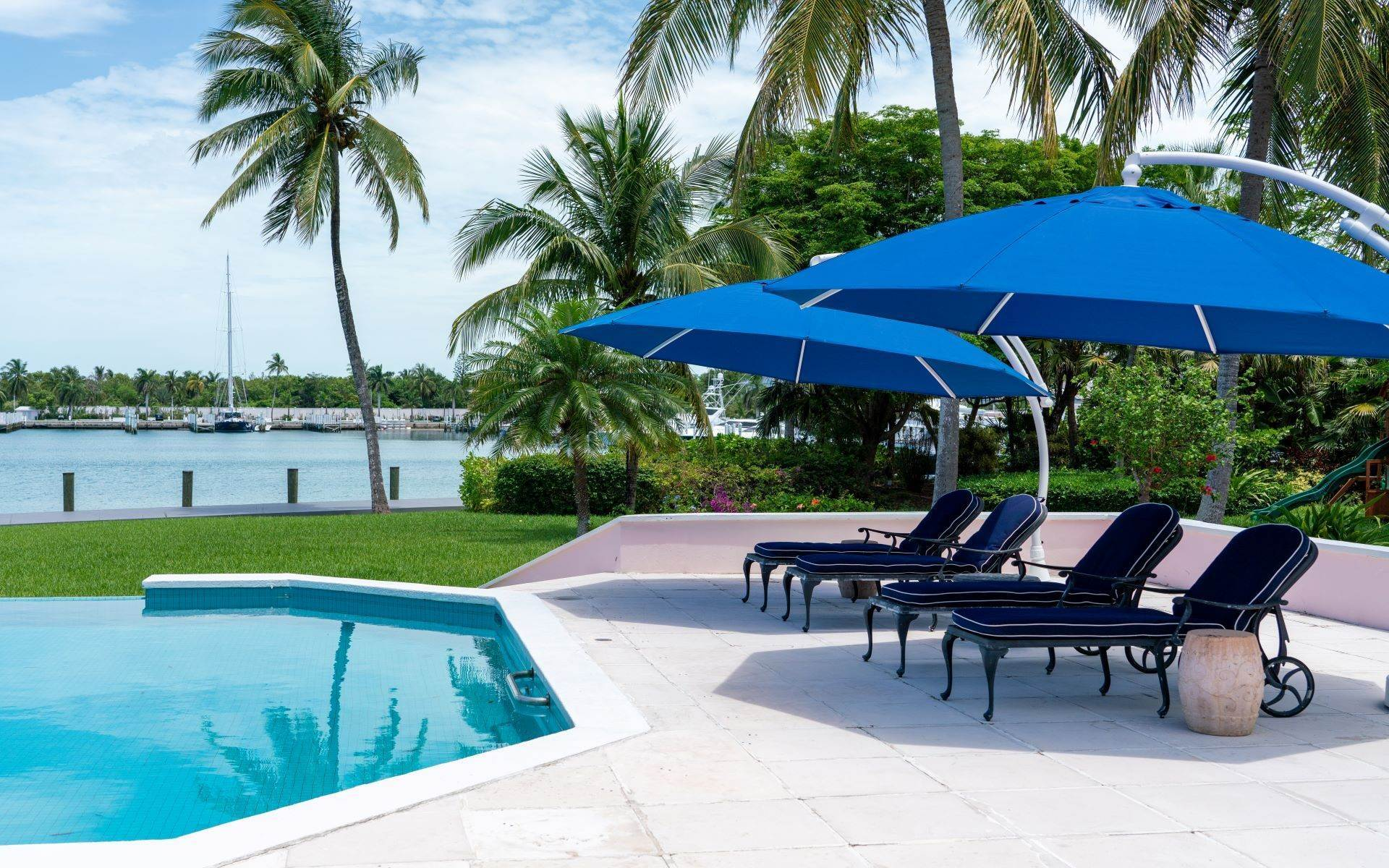 12. Single Family Homes for Sale at Luxurious Lyford Cay Canalfront Estate - MLS 40934 Lyford Cay, Nassau And Paradise Island, Bahamas