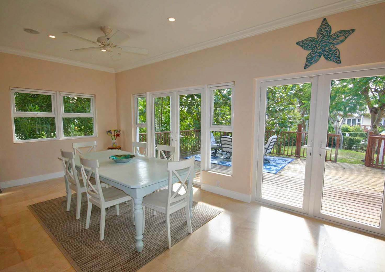 5. Single Family Homes for Rent at Gorgeous Customized 5 Bedroom Home in Gated Beachfront Community of Shoreline Shoreline, Lucaya, Freeport And Grand Bahama Bahamas
