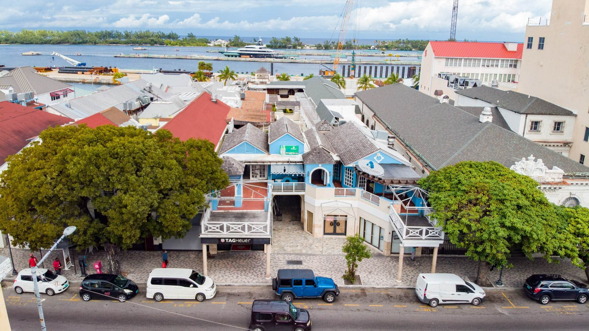 4. Commercial for Rent at Large Restaurant Space overlooking Bay St - MLS 43156 Bay Street, Nassau And Paradise Island, Bahamas