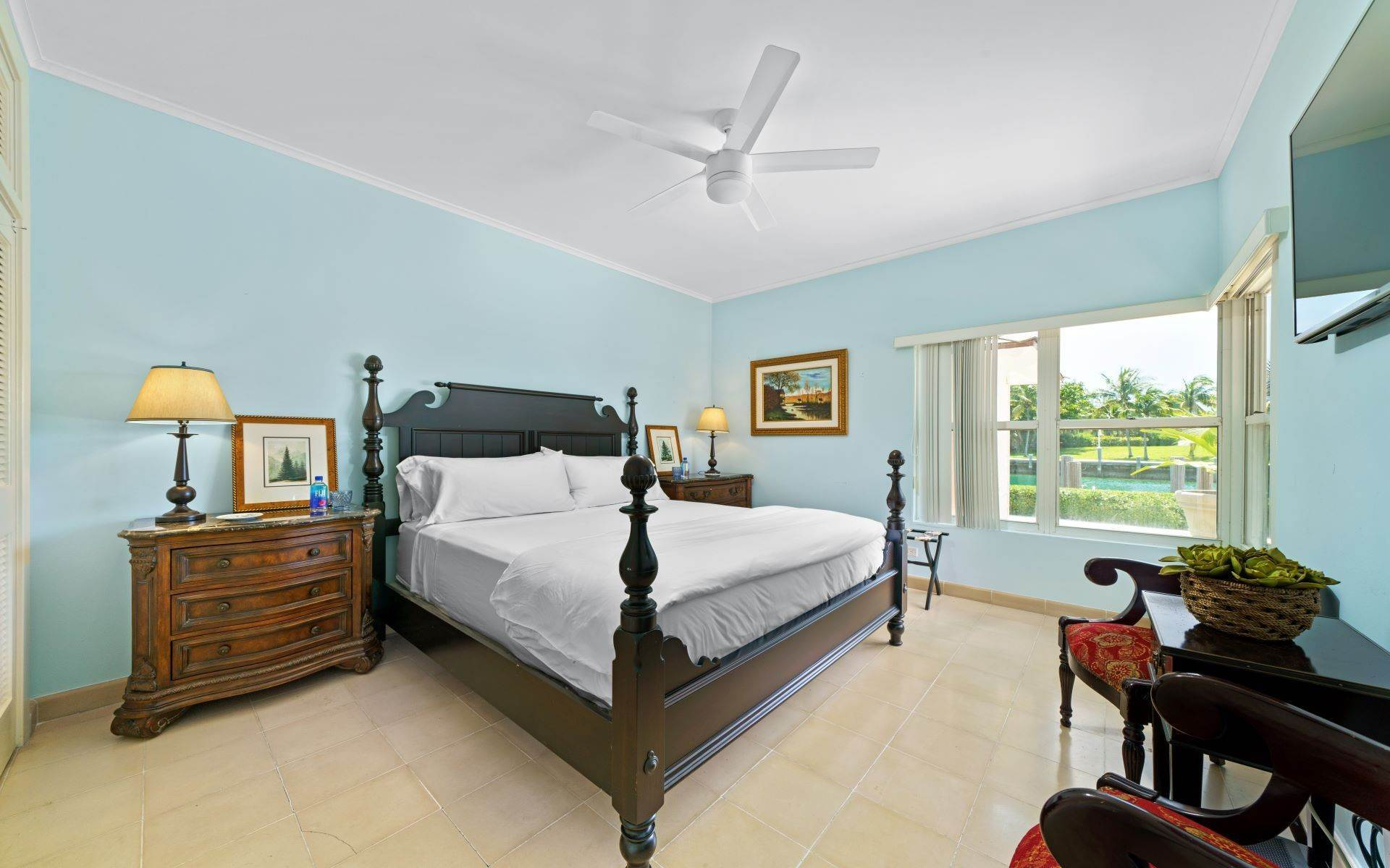 55. Single Family Homes for Sale at Luxurious Lyford Cay Canalfront Estate - MLS 40934 Lyford Cay, Nassau And Paradise Island, Bahamas