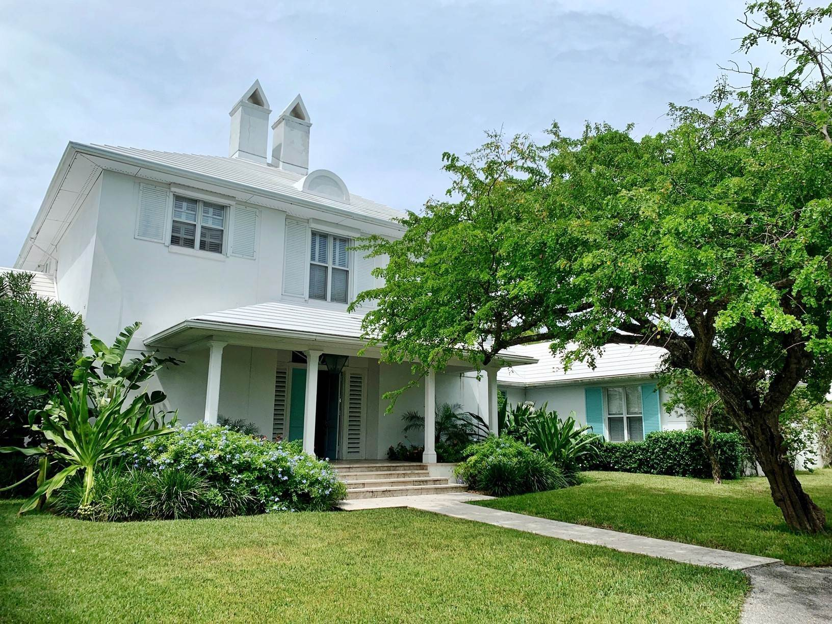 2. Single Family Homes por un Alquiler en Old Fort Ocean Front Masterpiece Old Fort Bay, Nueva Providencia / Nassau, Bahamas