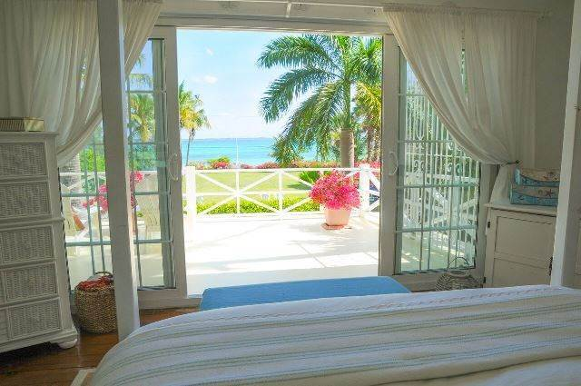 12. Single Family Homes for Sale at Tambourina Island Villa and Cottage, Eastern Road (MLS 24295) Eastern Road, Nassau And Paradise Island, Bahamas