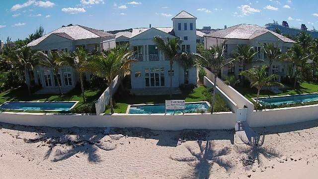 35. Single Family Homes for Rent at Beautiful Beach House Villa set on Colonial Beach, Paradise Island Western End, Paradise Island, Nassau And Paradise Island Bahamas