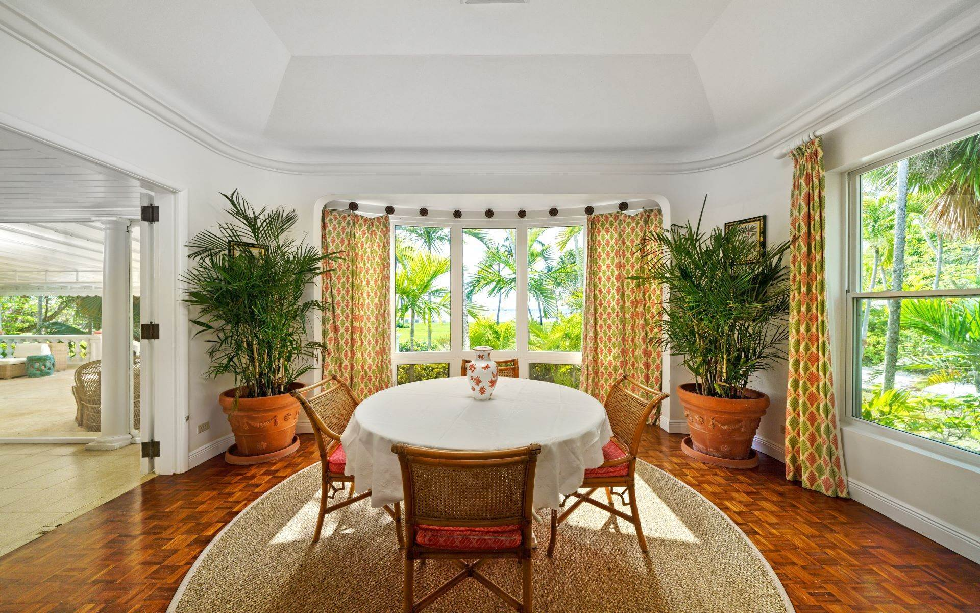 13. Single Family Homes for Rent at Magnificent Lyford Cay Beachfront Estate Lyford Cay, Nassau And Paradise Island, Bahamas