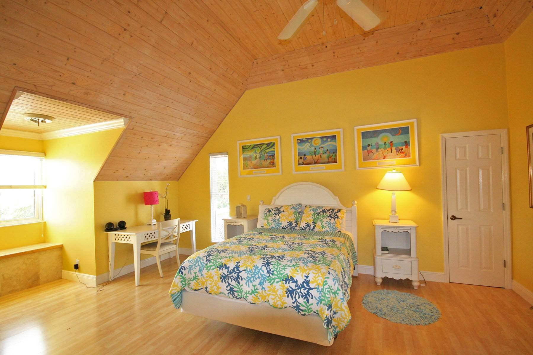 44. Single Family Homes por un Alquiler en Island Home in Shoreline, Fortune Beach, Lucaya Shoreline, Lucaya, Gran Bahama Freeport Bahamas