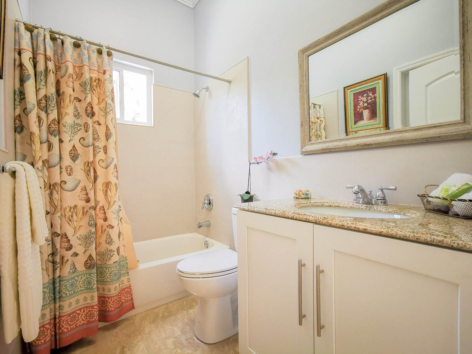 22. Single Family Homes for Sale at Villa Greenway House for Sale - MLS 41427 Charlotteville, Nassau And Paradise Island, Bahamas