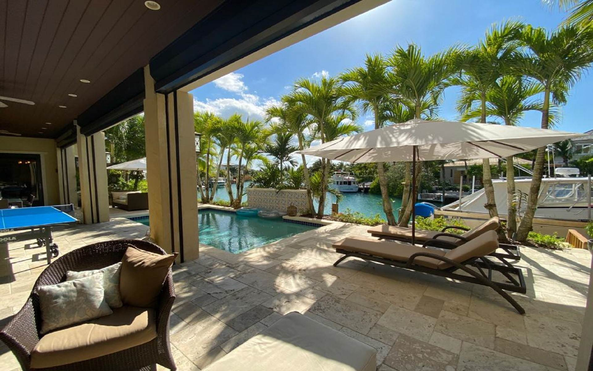 45. Single Family Homes for Sale at Immaculate House on Venetian Lane in Old Fort Bay Old Fort Bay, Nassau And Paradise Island, Bahamas