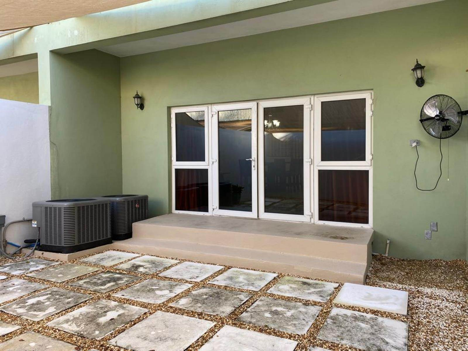 19. Co-op / Condo for Rent at Immaculate Townhouse in the heart of Cable Beach Cable Beach, Nassau And Paradise Island, Bahamas
