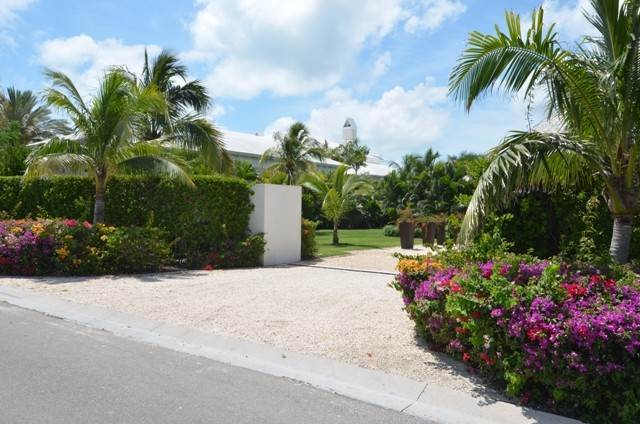 34. Single Family Homes for Rent at Private Waterfront Villa in famed Ocean Club Estates Ocean Club Estates, Paradise Island, Nassau And Paradise Island Bahamas
