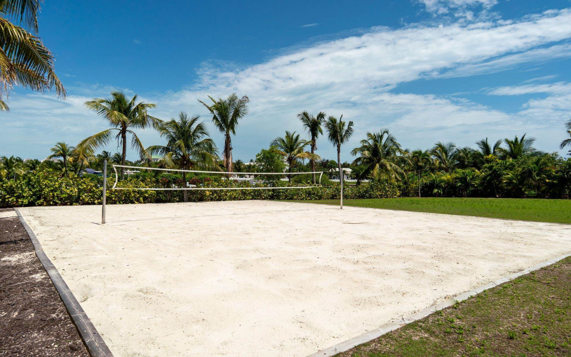 59. Single Family Homes for Sale at Luxurious Lyford Cay Canalfront Estate - MLS 40934 Lyford Cay, Nassau And Paradise Island, Bahamas