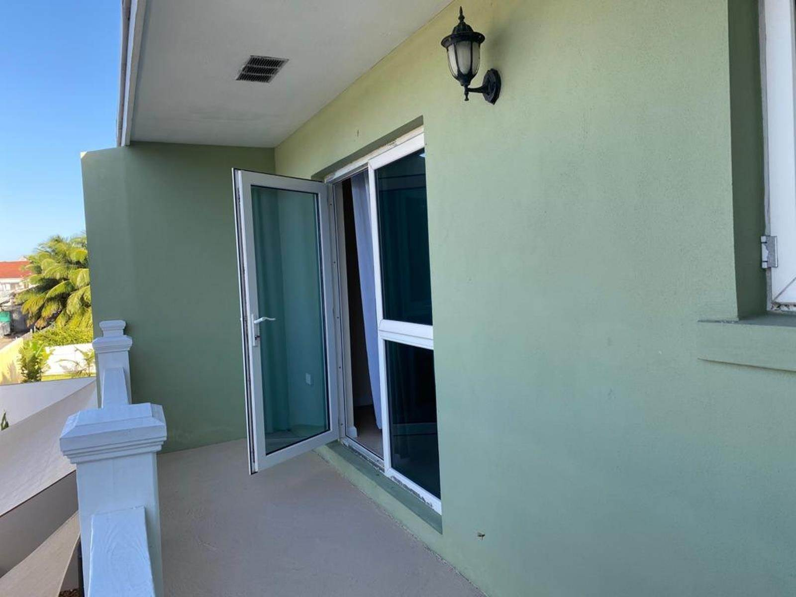 21. Co-op / Condo for Rent at Immaculate Townhouse in the heart of Cable Beach Cable Beach, Nassau And Paradise Island, Bahamas