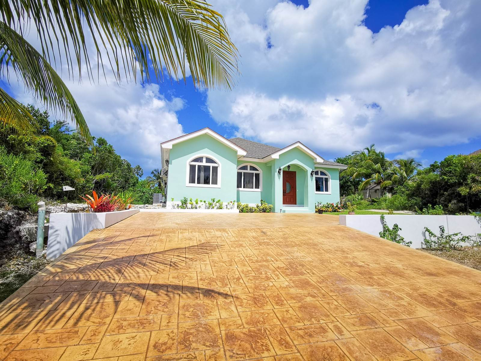 27. Single Family Homes for Sale at Villa Greenway House for Sale - MLS 41427 Charlotteville, Nassau And Paradise Island, Bahamas