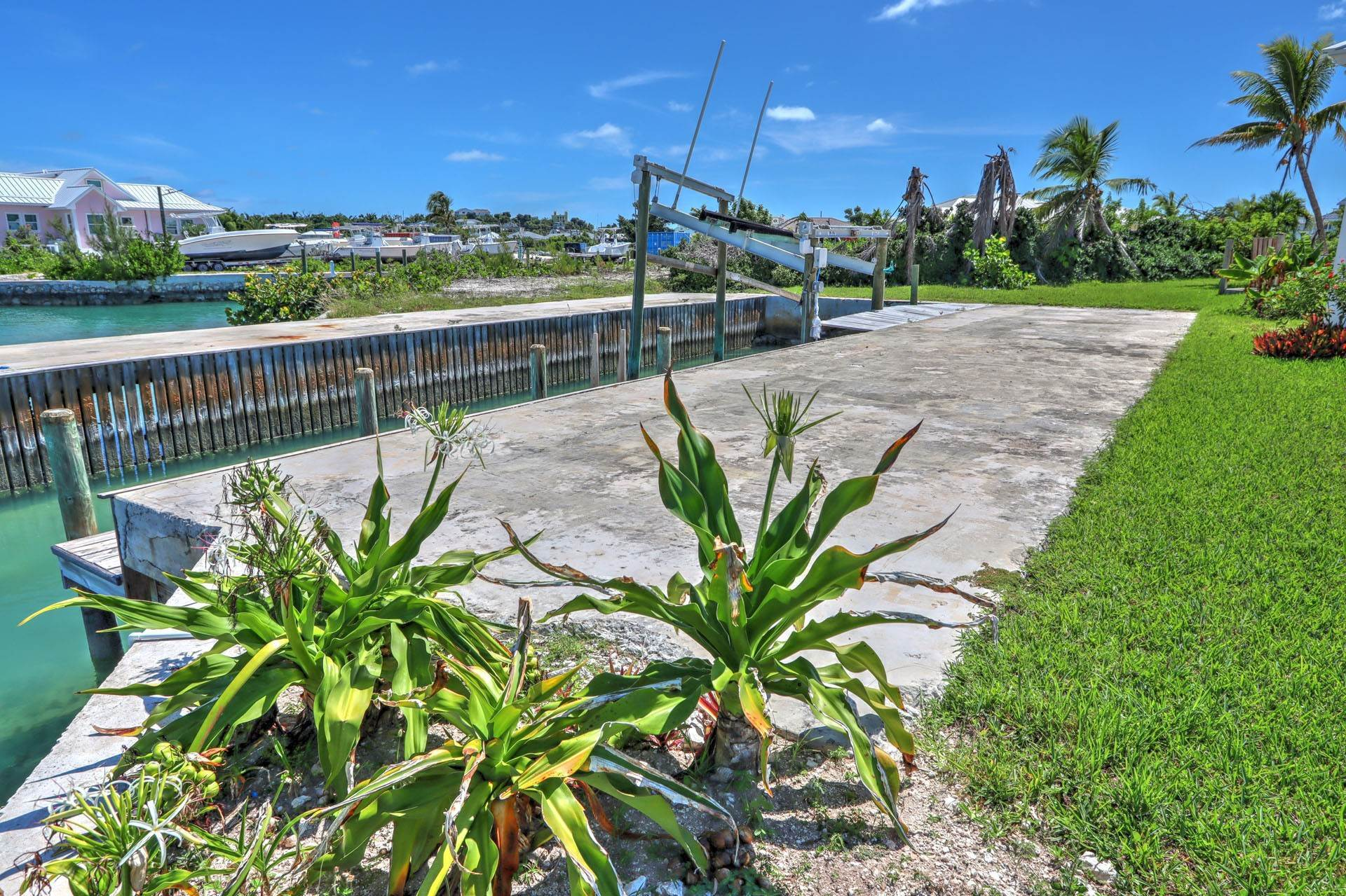 9. Single Family Homes por un Venta en #2 Royal Harbour, Marsh Harbour View Stately Home - MLS 41825 Marsh Harbour, Abaco, Bahamas