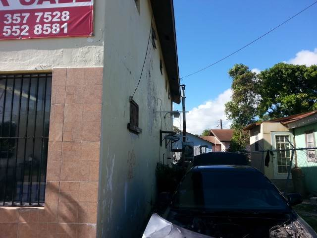 5. Comercial por un Venta en Commercial Building with 2 Apartments on Lincoln Blvd. Wulff Road, Nueva Providencia / Nassau, Bahamas