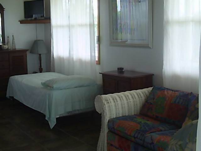 4. Commercial for Rent at Beautiful Seaview Bungalow Stella Maris, Long Island, Bahamas