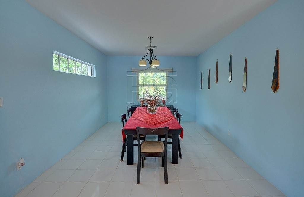 5. Single Family Homes for Rent at Modern family home in the East - MLS 40048 Camperdown, Nassau And Paradise Island, Bahamas