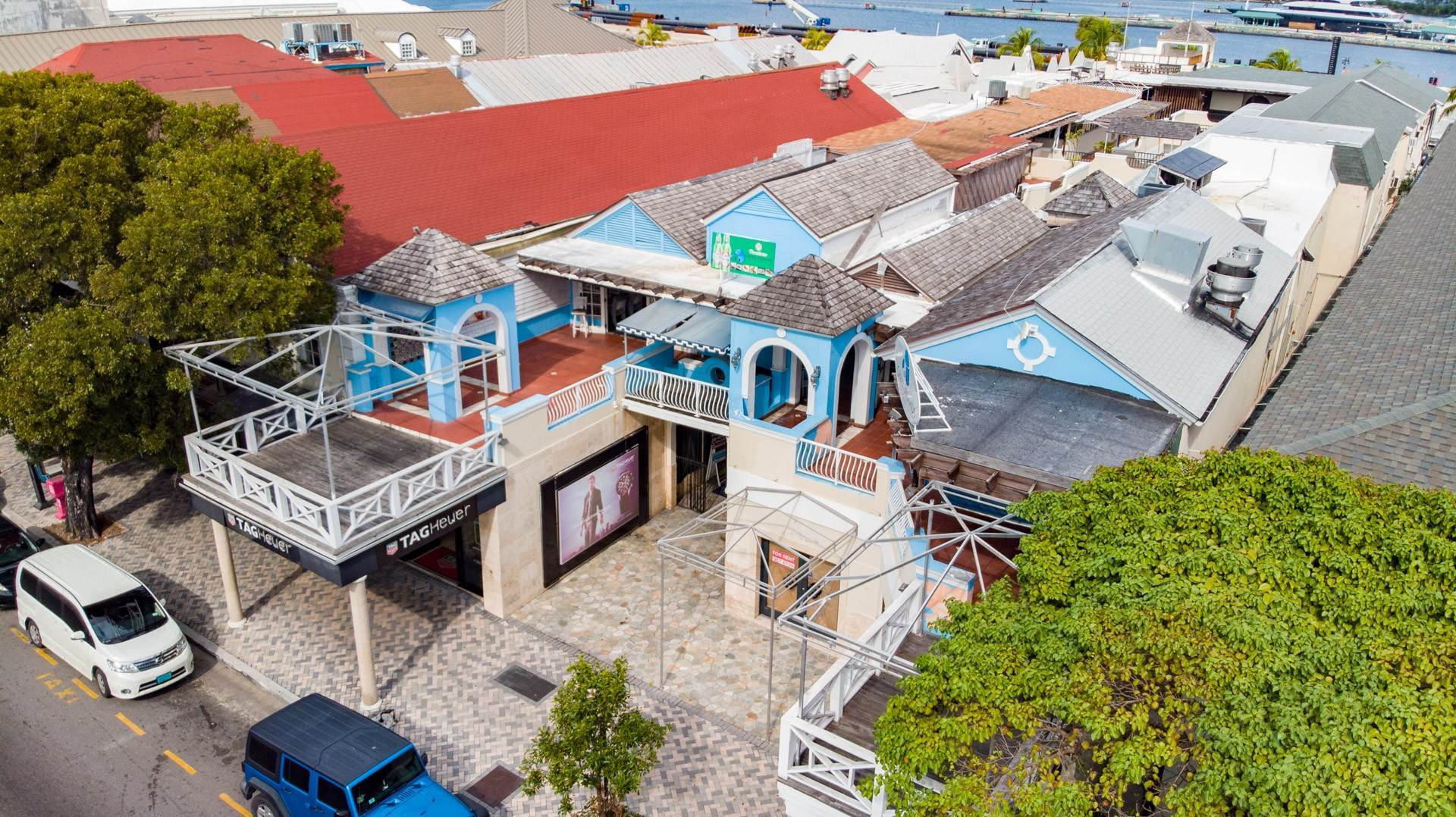 5. Commercial for Rent at Large Restaurant Space overlooking Bay St - MLS 43156 Bay Street, Nassau And Paradise Island, Bahamas