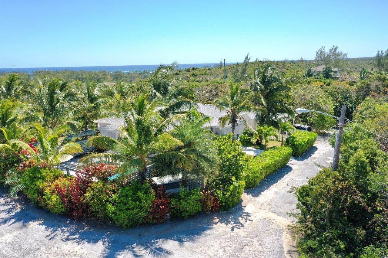 35. Single Family Homes for Sale at Fabulous Coastal Living Home in Governor's Harbour - MLS 44509 Governors Harbour, Eleuthera, Bahamas