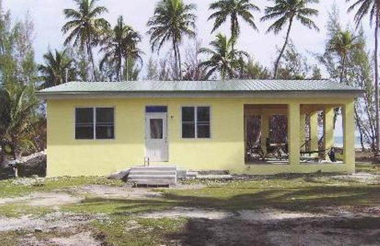 5. Single Family Homes for Sale at Beach cottage with development acreage Congo Town, Andros, Bahamas