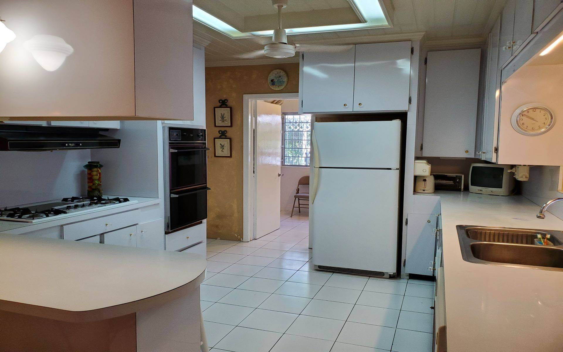 5. Single Family Homes for Rent at Monastery Park Home - MLS 42054 Monastery Park, Nassau And Paradise Island, Bahamas