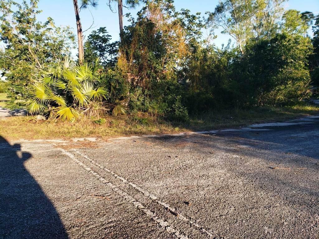 4. Land for Sale at Nicely Priced Duplex Lot in Fortune Point - MLS 36371 Fortune Point, Freeport And Grand Bahama, Bahamas