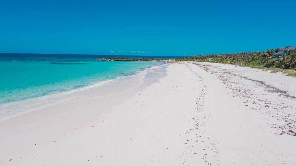 5. Terreno por un Venta en Unique Beach front Homesite at Windermere Beach Estates - Section A, Lot 9 and 126 - MLS 38497 Windermere Island, Eleuthera, Bahamas