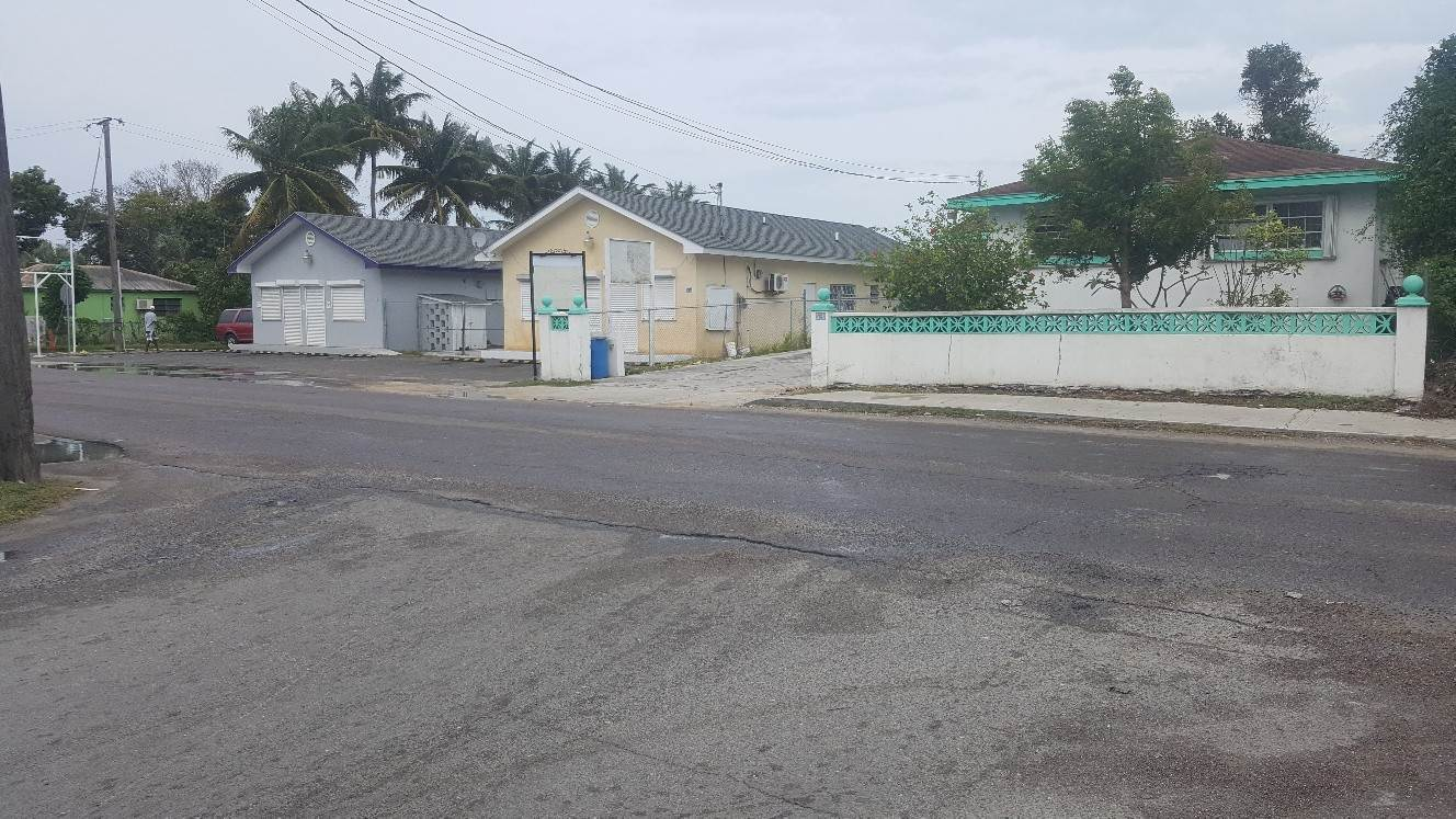 5. Sólo la tierra por un Alquiler en Vacant Corner Lot on East Street South for Lease East Street South, Nueva Providencia / Nassau, Bahamas