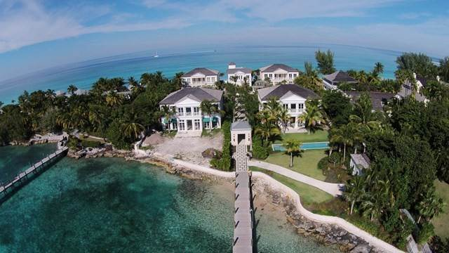 41. Single Family Homes for Rent at Beautiful Beach House Villa set on Colonial Beach, Paradise Island Western End, Paradise Island, Nassau And Paradise Island Bahamas