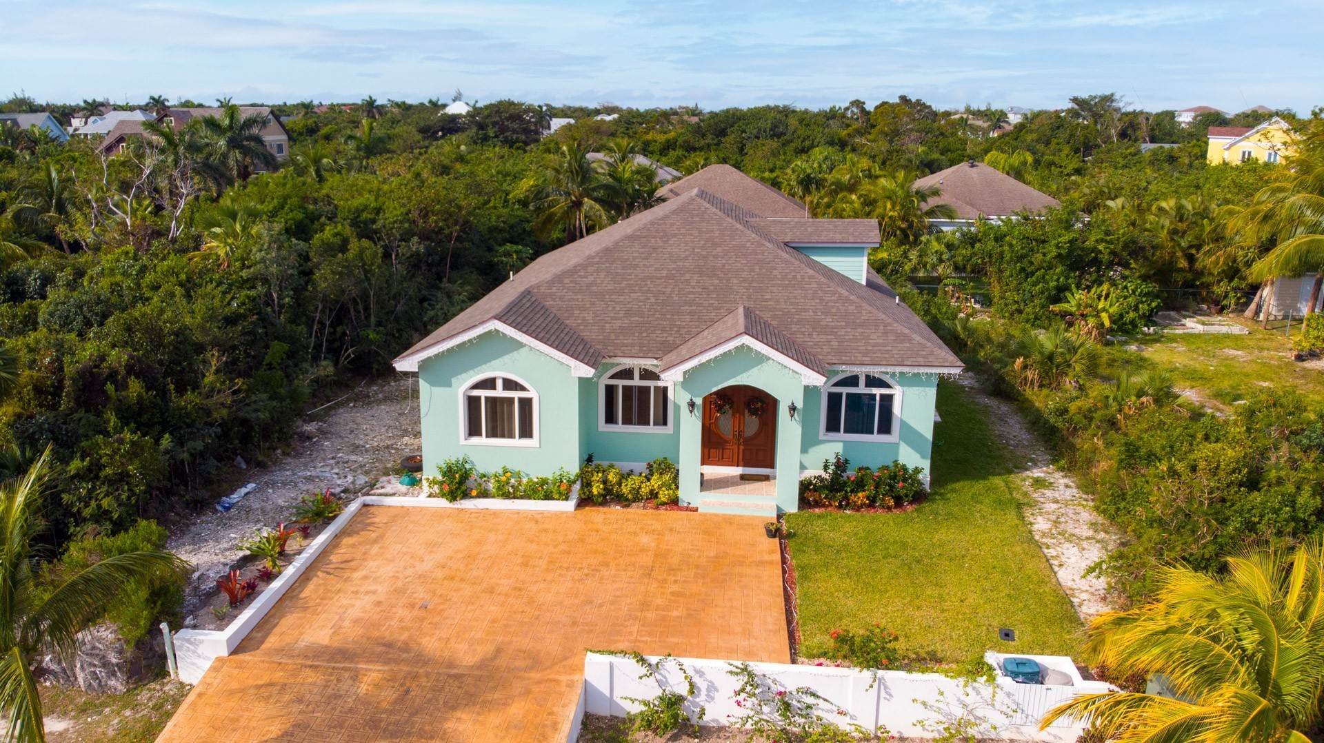 35. Single Family Homes for Sale at Villa Greenway House for Sale - MLS 41427 Charlotteville, Nassau And Paradise Island, Bahamas
