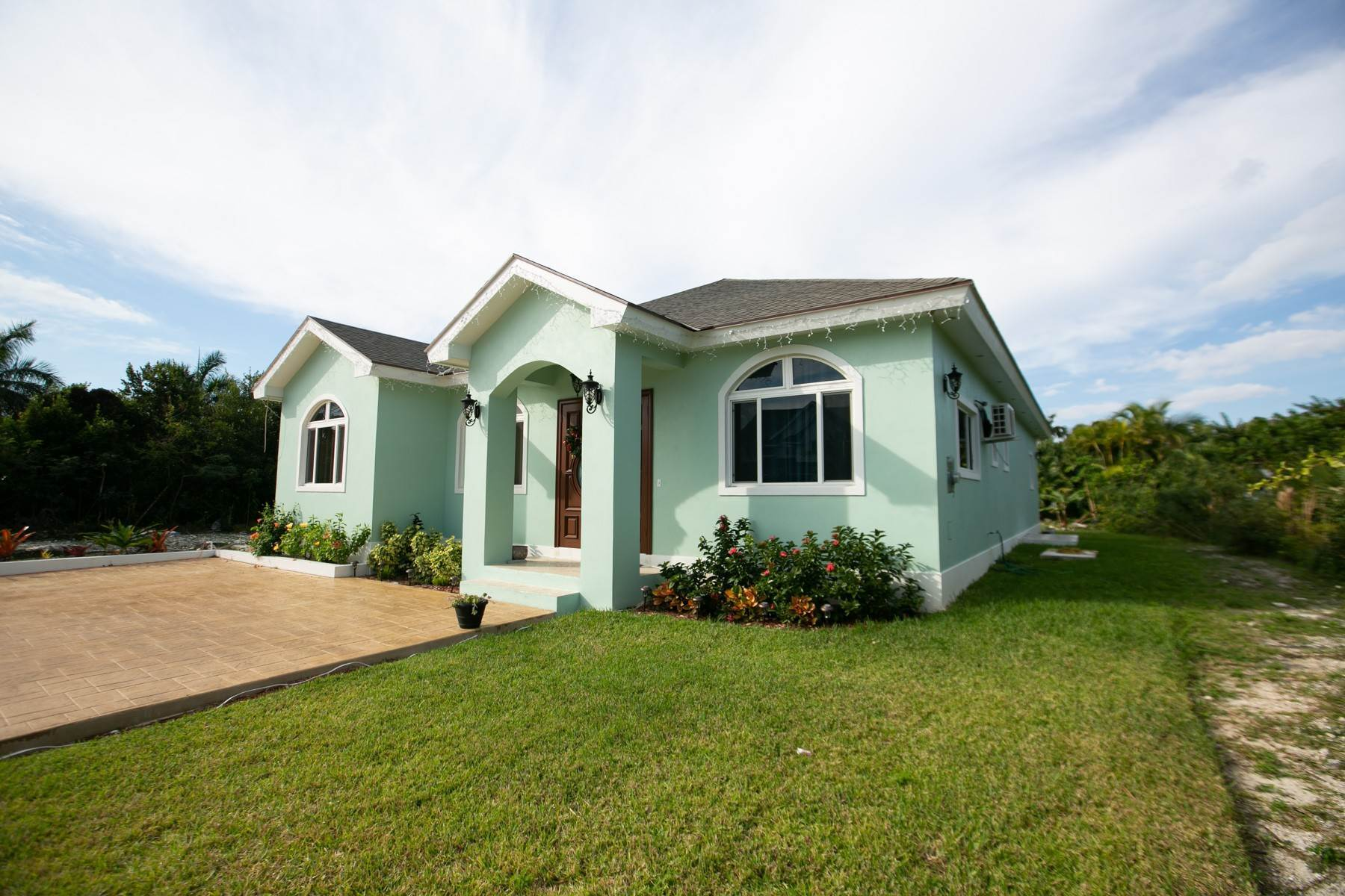 39. Single Family Homes for Sale at Villa Greenway House for Sale - MLS 41427 Charlotteville, Nassau And Paradise Island, Bahamas