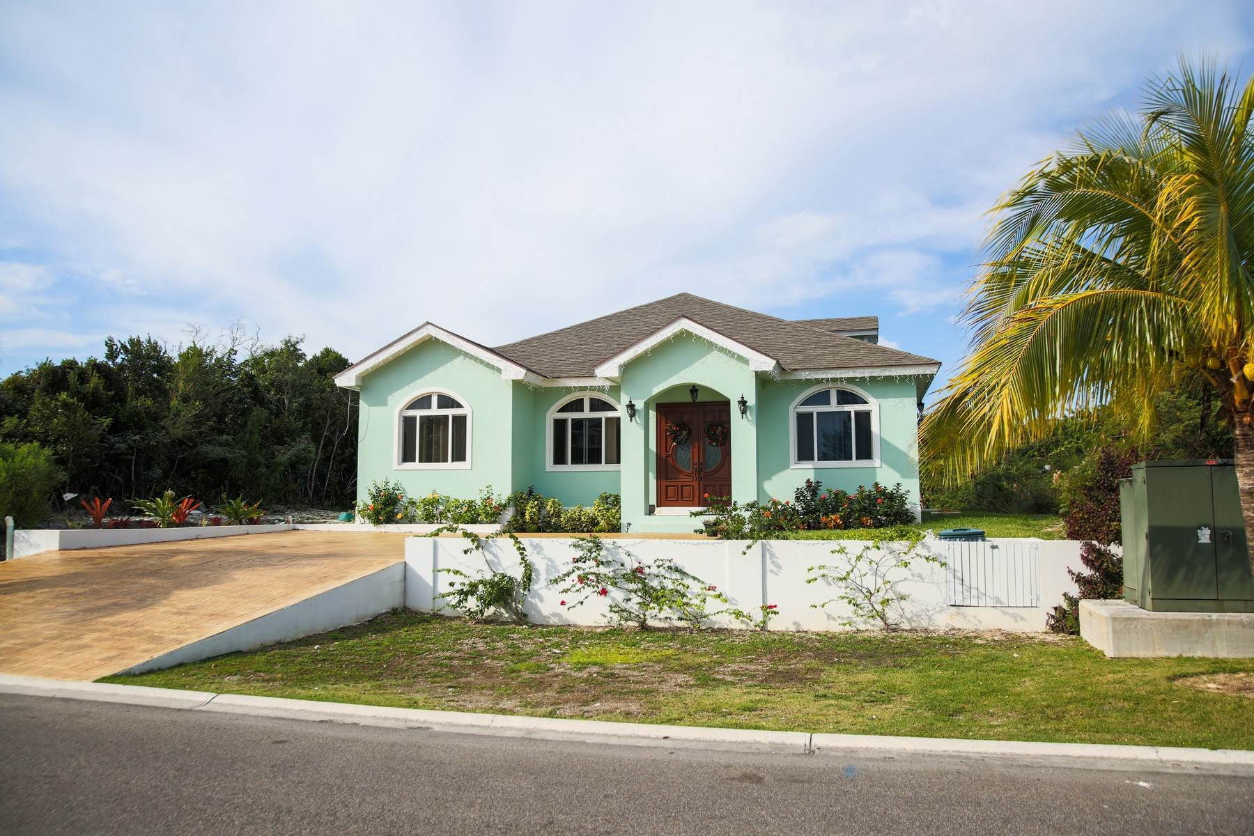 40. Single Family Homes for Sale at Villa Greenway House for Sale - MLS 41427 Charlotteville, Nassau And Paradise Island, Bahamas