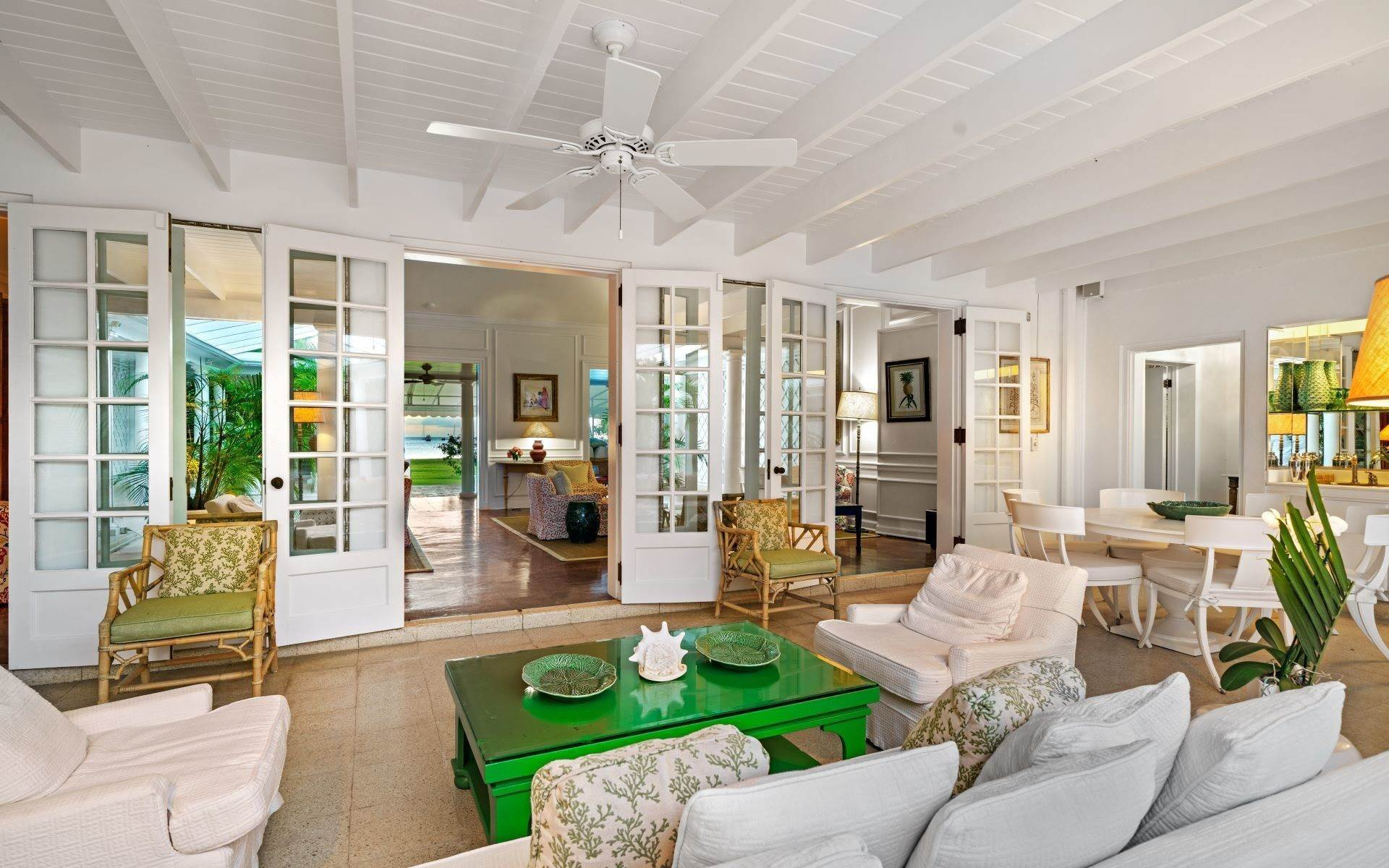 6. Single Family Homes for Rent at Magnificent Lyford Cay Beachfront Estate Lyford Cay, Nassau And Paradise Island, Bahamas
