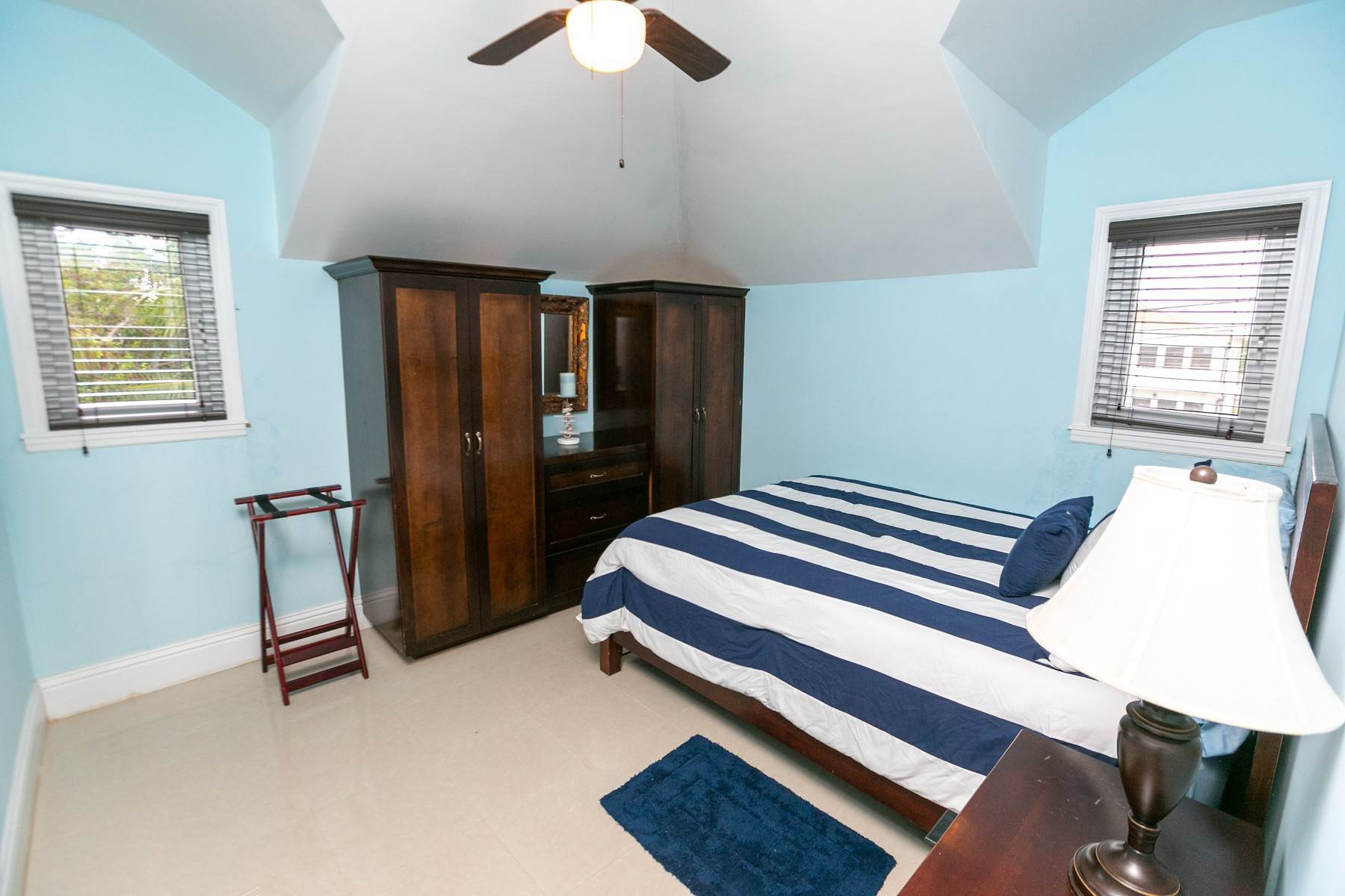 40. Single Family Homes for Sale at Exclusive Oceanside Eastern Jewel - Casa Al Mare - MLS 43222 Eastern Road, Nassau And Paradise Island, Bahamas