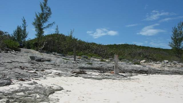 5. Terreno por un Venta en Breeze Away Estates Half Acre Lot MLS 25200 Governors Harbour, Eleuthera, Bahamas